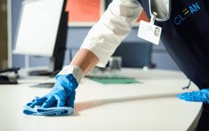 Corona Reinigungsservice - Desinfektion durch Mitarbeiter von Clean.de